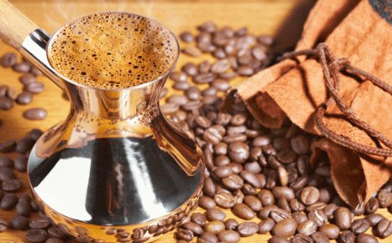 wieviel mg koffein hat eine tasse kaffee
